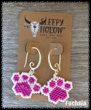 beaded paw print-paw print earrings-beaded paws-dog lover jewelry-paw earring-beaded earrings-fuchsia paw prints