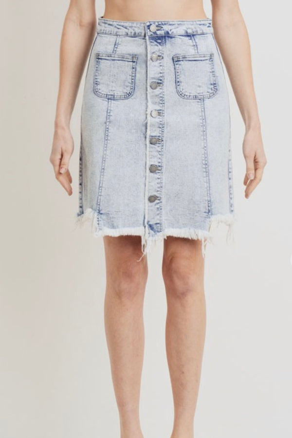 Acid| wash| denim| skirt| with| distressed| hem|