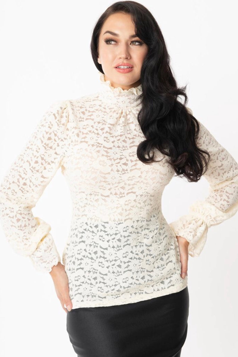 Donna Lace Ruffled Collar Blouse