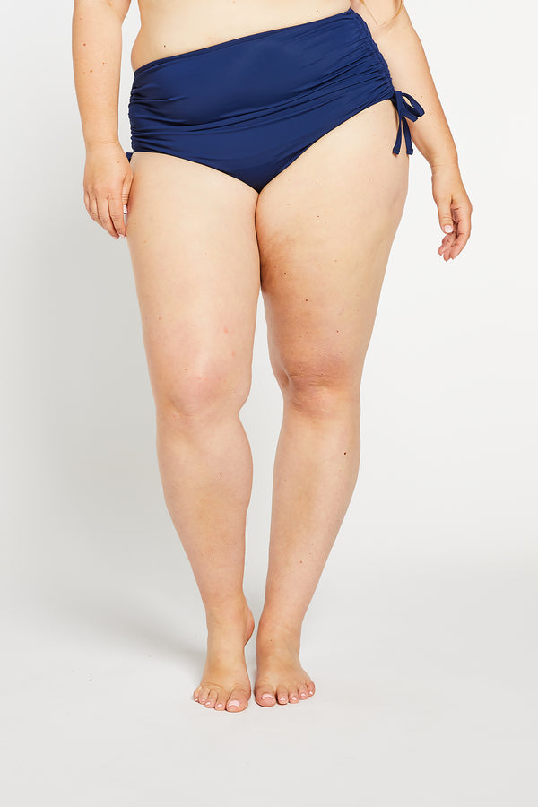 Aqua Bay Swim Co, navy bikini canada, high waisted bikini bottoms canada, high waisted bikini bottoms in navy,  runched bum bikini bottom, full coverage bikini bottom in navy
