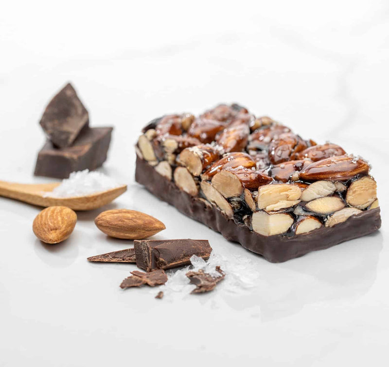 chewy nutty dark chocolatey sea salt & almond keto bar