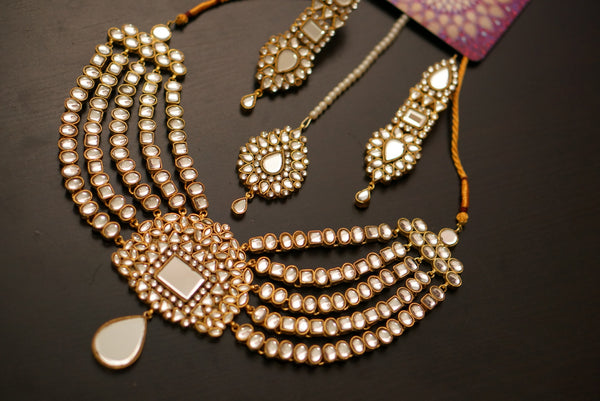 Aarmina kundan necklace set