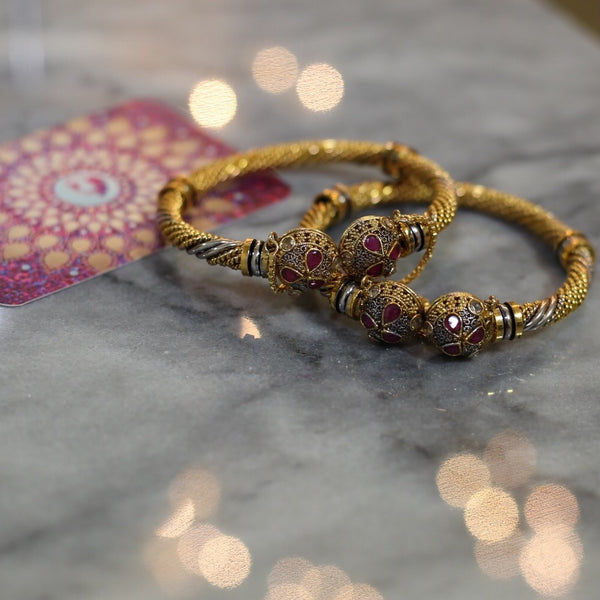 Bangle set (1 pair)