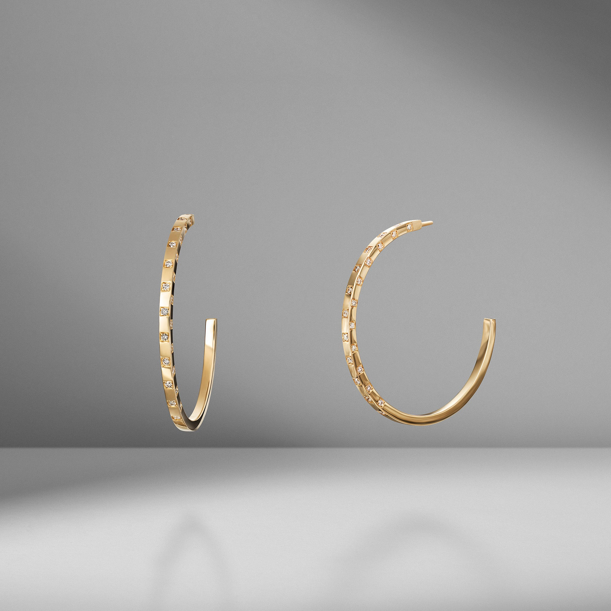 Scattered Diamond Hoops