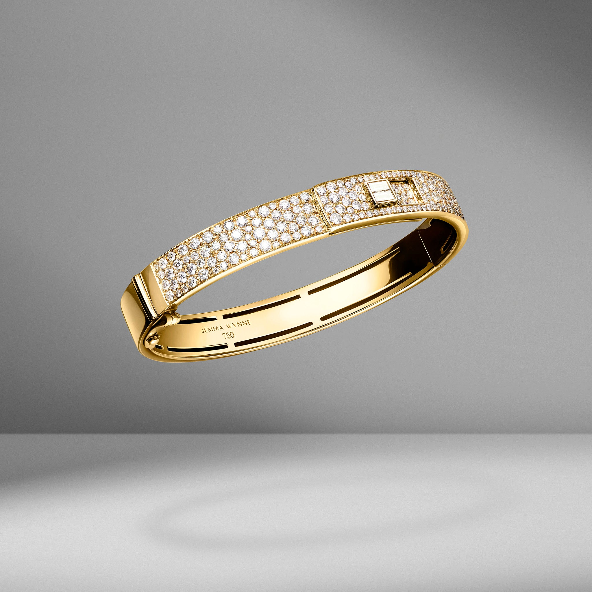 Prive Luxe Pavé Diamond Bangle