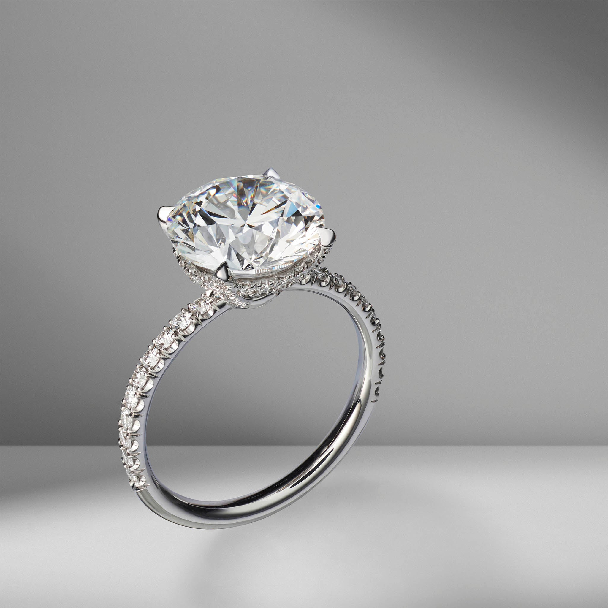 Round Brilliant Cut Engagement Ring with Diamond Pav