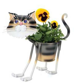 Georgetown Metal Garden Planter Stray Tiger Cat