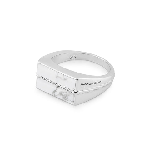 The Classic Ring | Howlite