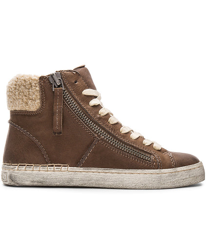 womens leather sneaker