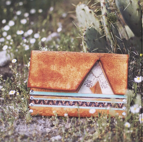 *MADE TO ORDER* TEEPEE CLUTCH