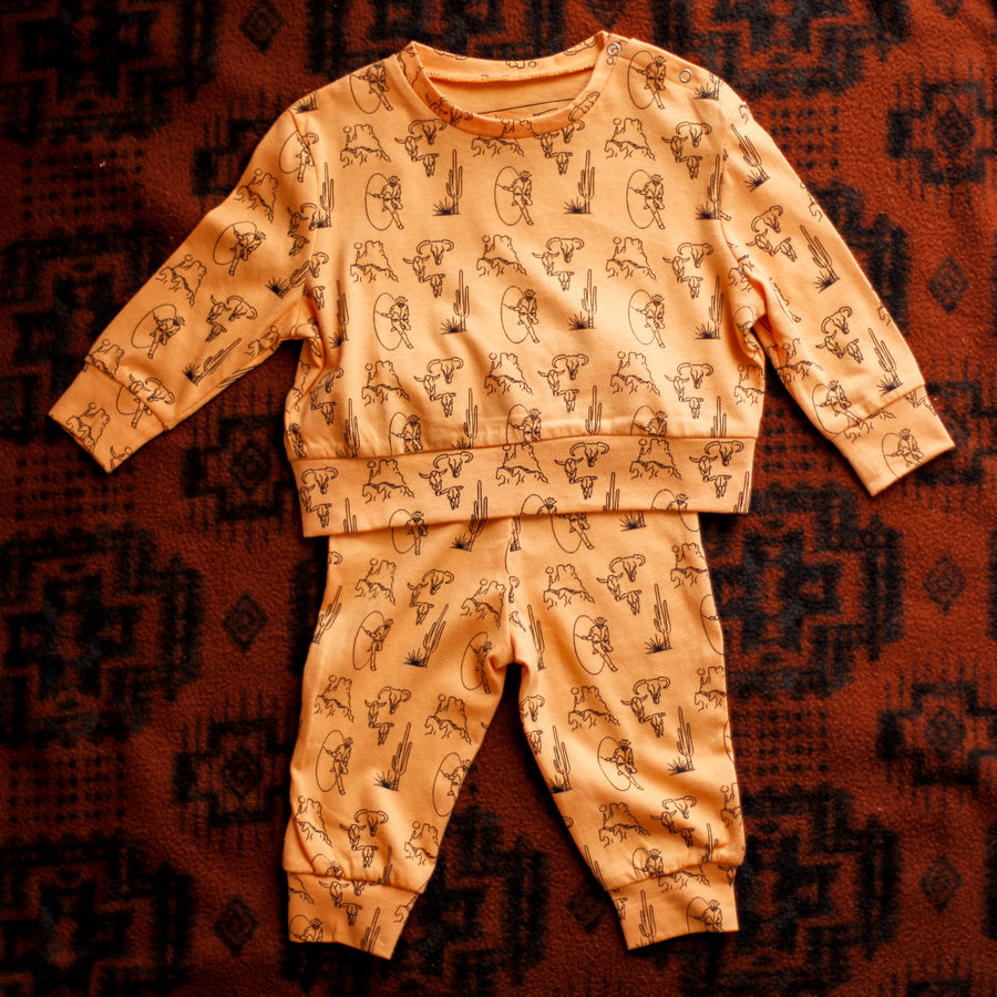 Handy Buckskin Jogger Set