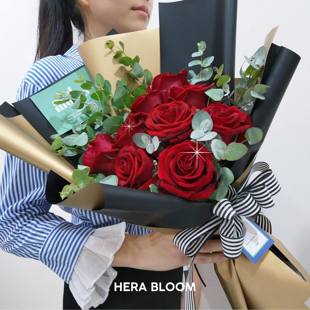 Red Rose Bouquet - Hera Bloom