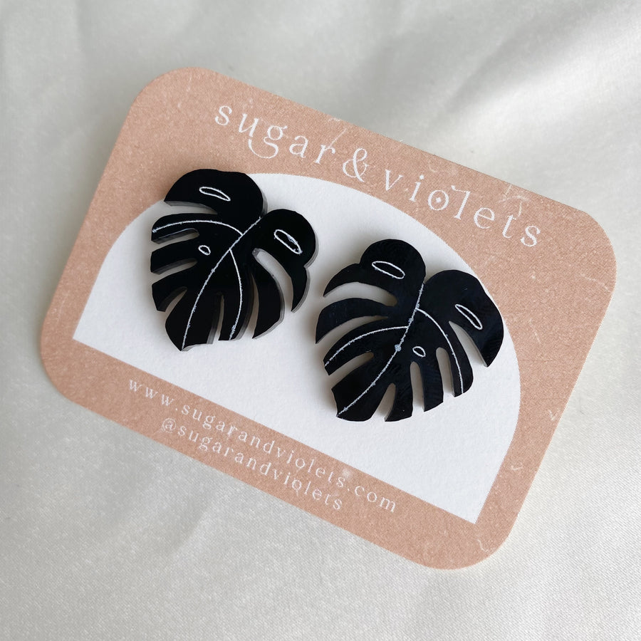 the acrylic monstera stud earring - black