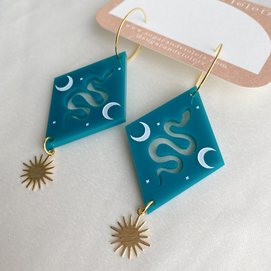 the acrylic serpent tile earring - turquoise with brass