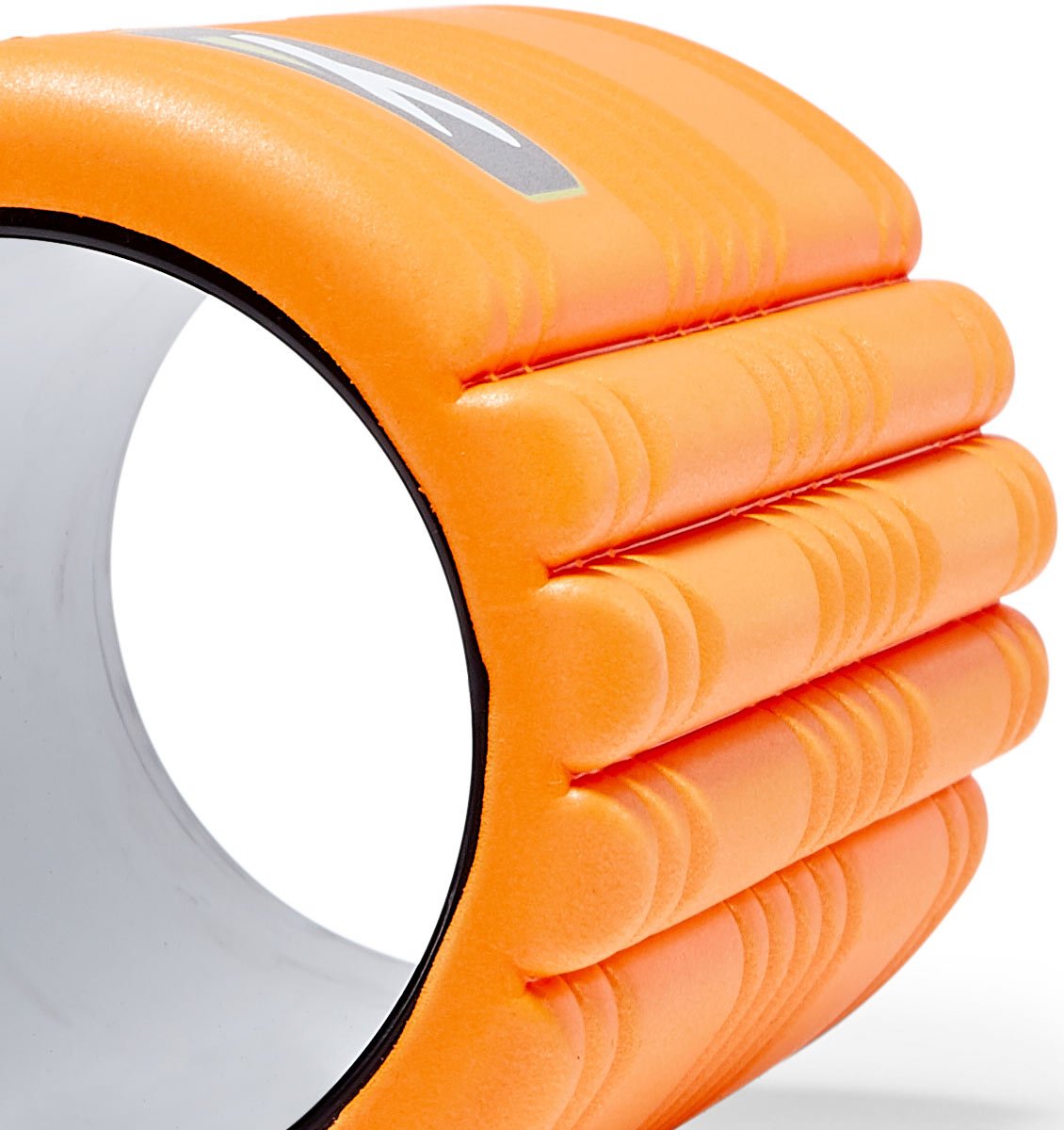 TPT3GRDOWS00000 TriggerPoint The Grid 1.0 Foam Roller Orange - 60 Degree Angle - Close Up