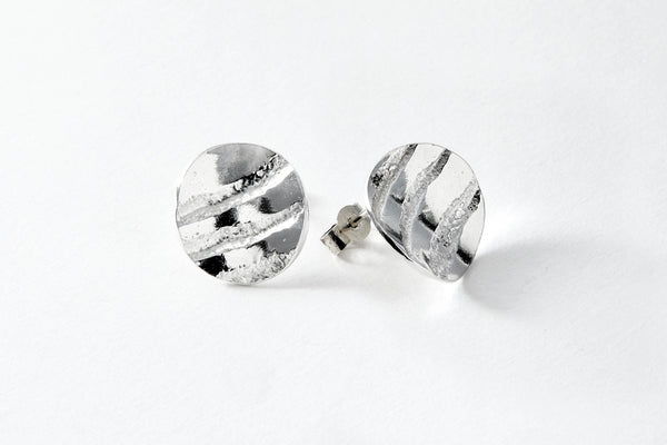 Fine silver striped concaved small stud in contrasting finish