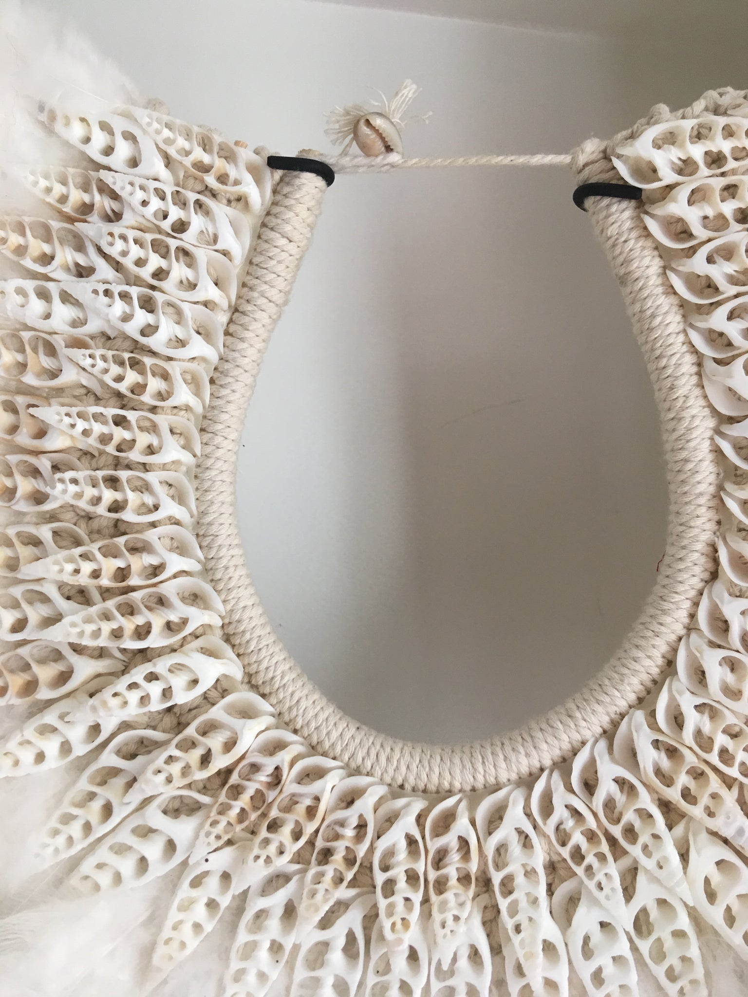 Papou necklace white shells