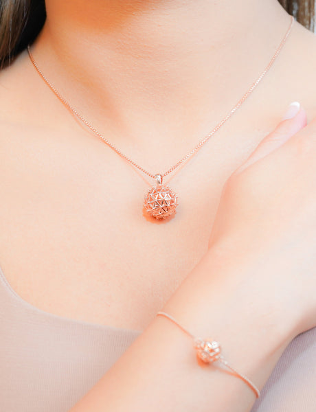 OYL'E London Pendant Necklace - ROSE GOLD