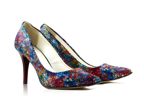 Image of Claret Mosaic Snake Court Shoes used to show the heels' details (size 5 UK).