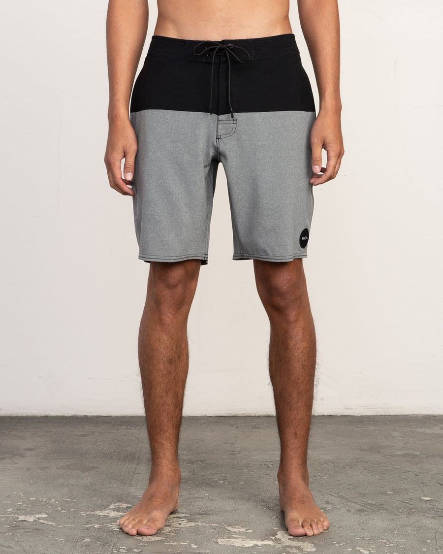 "RVCA Gothard 19"" Boardshorts Black MENS APPAREL - Men's Boardshorts RVCA 28"