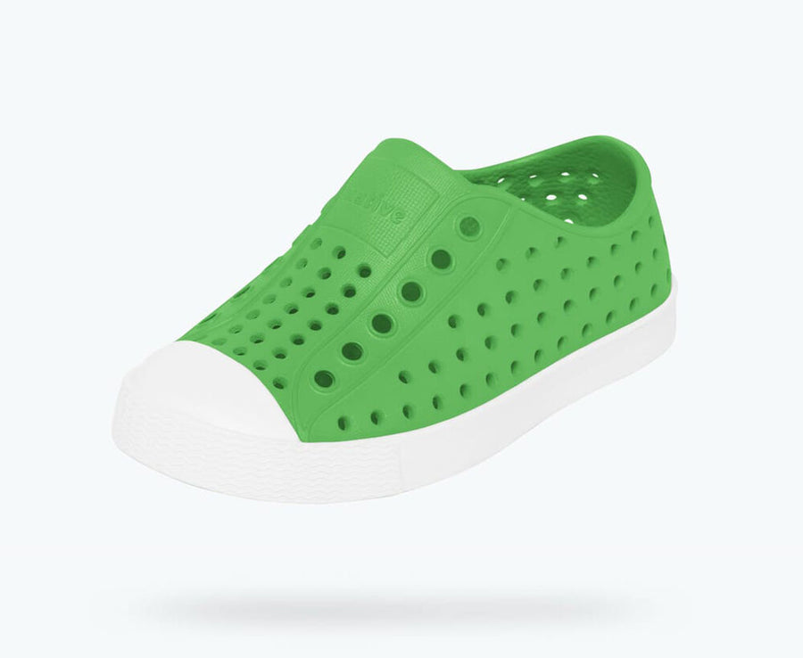NATIVE Jefferson Child Shoes Grasshopper Green/Shell White