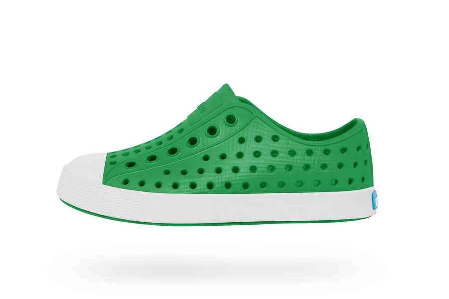 NATIVE Jefferson Child Giant Green/Shell White Shoes FOOTWEAR - Youth Native and People Shoes Native Shoes GIANT GREEN/SHELL WHITE 4C