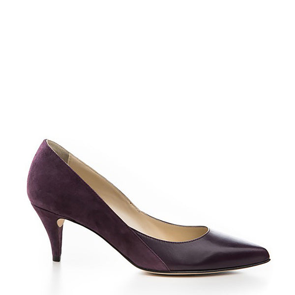 Two-toned leather pump