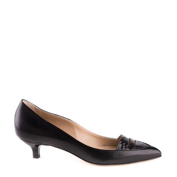 Pointy low-heeled pump