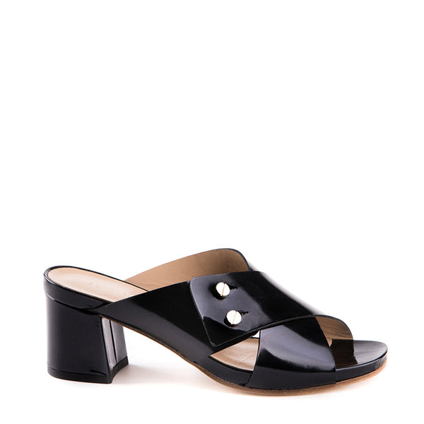Open toe wide strap sandal