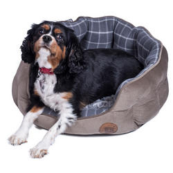 Beautiful, soft and cosy dog bed with a stylish design
