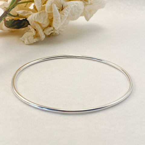 Sophie Thomas Jewellery - Sterling Silver Oval Bangle 2mm- Smooth Polished - Nosek's Just Gems