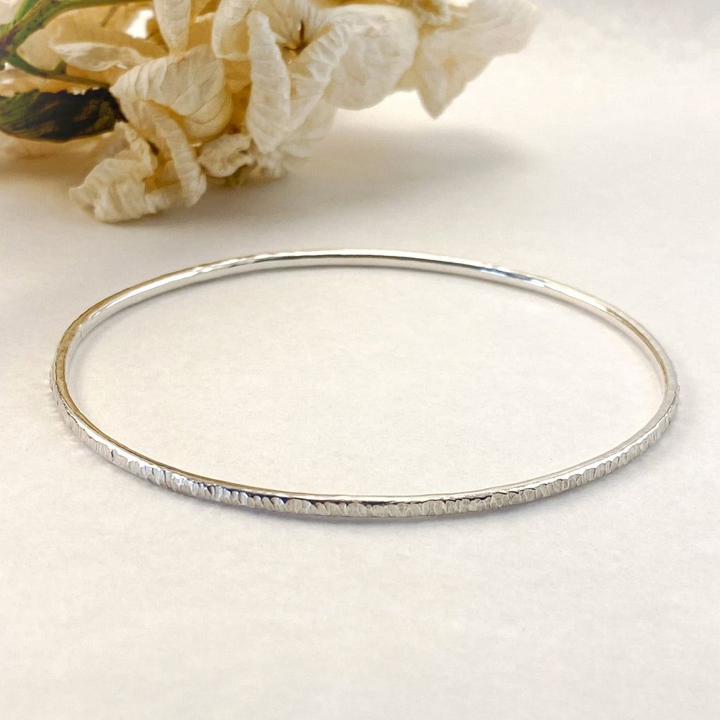 Sophie Thomas Jewellery - Sterling Silver Oval Bangle 2mm- Textured - Nosek's Just Gems