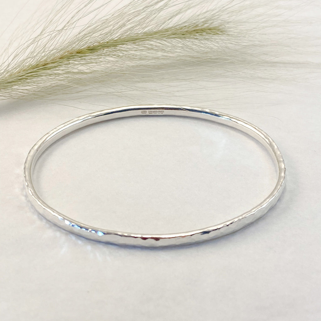 Sophie Thomas Jewellery - Sterling Silver Oval Bangle 3mm - Hammered - Nosek's Just Gems
