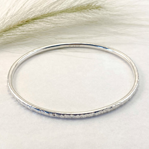 Sophie Thomas Jewellery - Sterling Silver Oval Bangle 3mm- Textured - Nosek's Just Gems