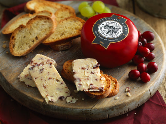 Bouncing Berry 200g | Snowdonia Cheese Company | Truckle