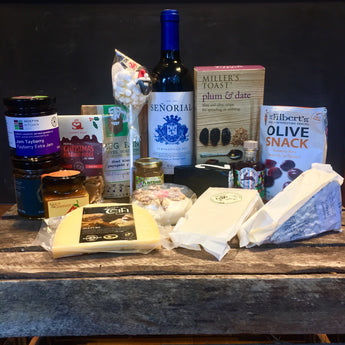 Festive Foodie Christmas Gift Hamper | Selection of Artisan Cheeses, Chutneys and Crackers