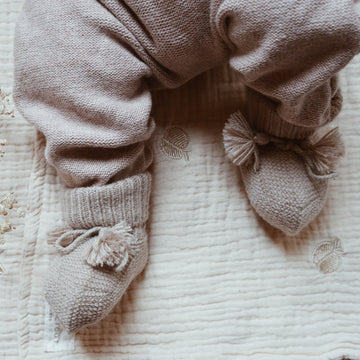 Gentil Coquelicot - Knitted baby booties - More colors