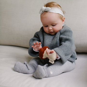 Konges Sløjd - Hand rattle - Lambswool