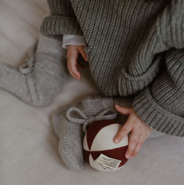 Konges Sløjd - Petit toy ball - Organic Cotton & Lambswool