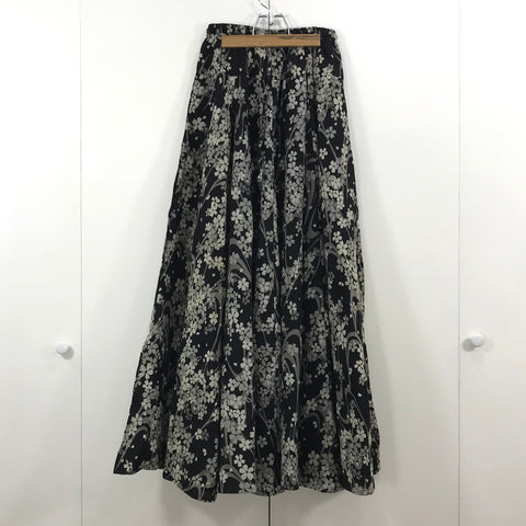 Long Skirts - Sakura