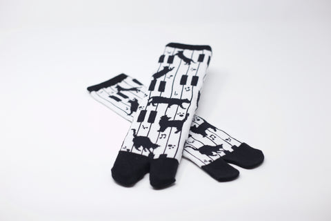 Piano Cat Tabi Socks Ladies