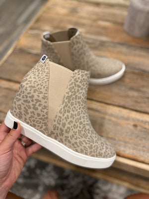 Lure Leo Wedge