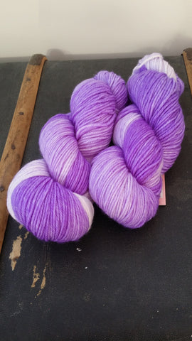 A supersoft 100% superwash DK merino yarn, machine washable.