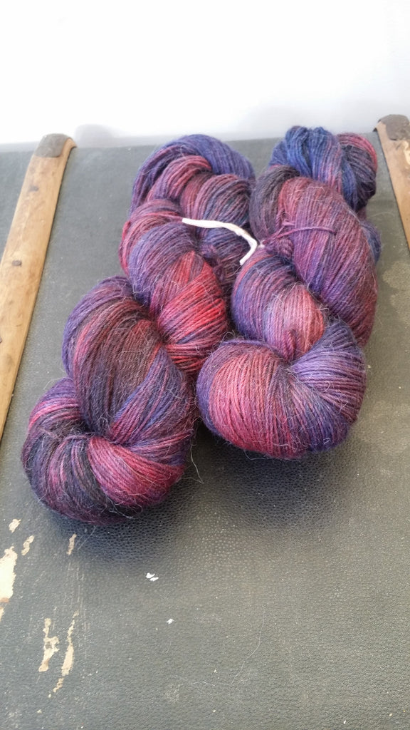 An extremely soft and luxurious alpaca and merino skein.