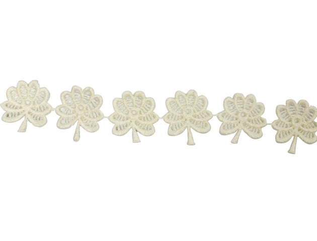 "Vintage Trim Ivory Clover Leaf Trim 1 1/4"" - Sold by the Yard"