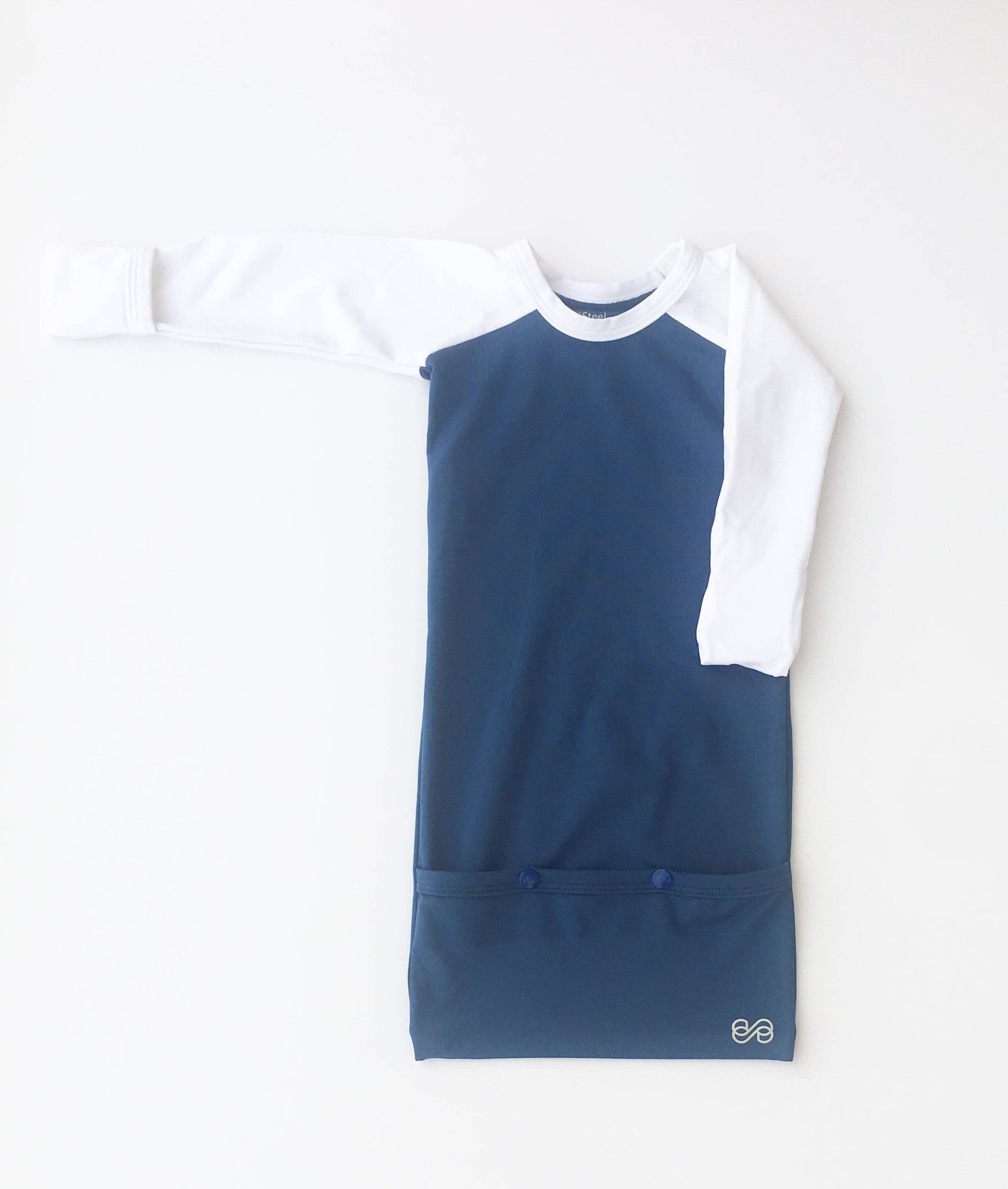Pocket Sleeper in Bright Blue & White