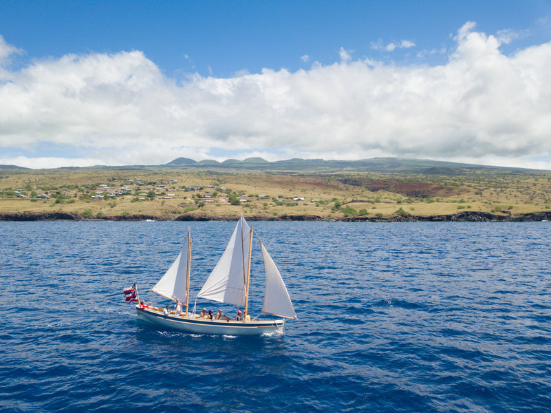 Sailing the Kohala Coast on the Imi Loa