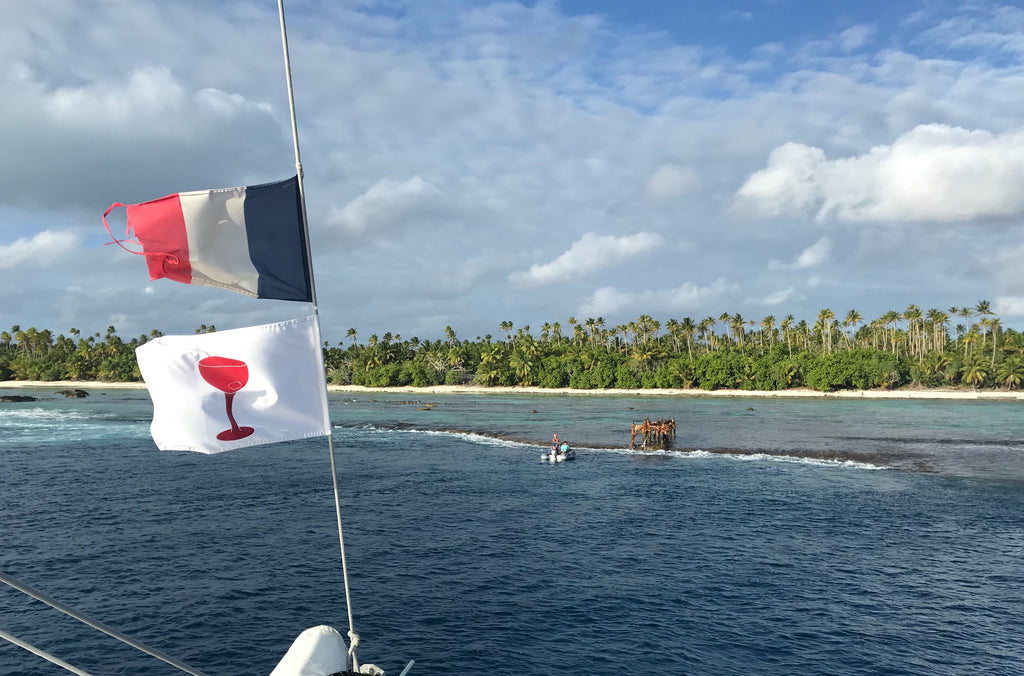 Sundot Marine cocktail flag in tahiti