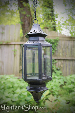 Clear pinched pendant lantern