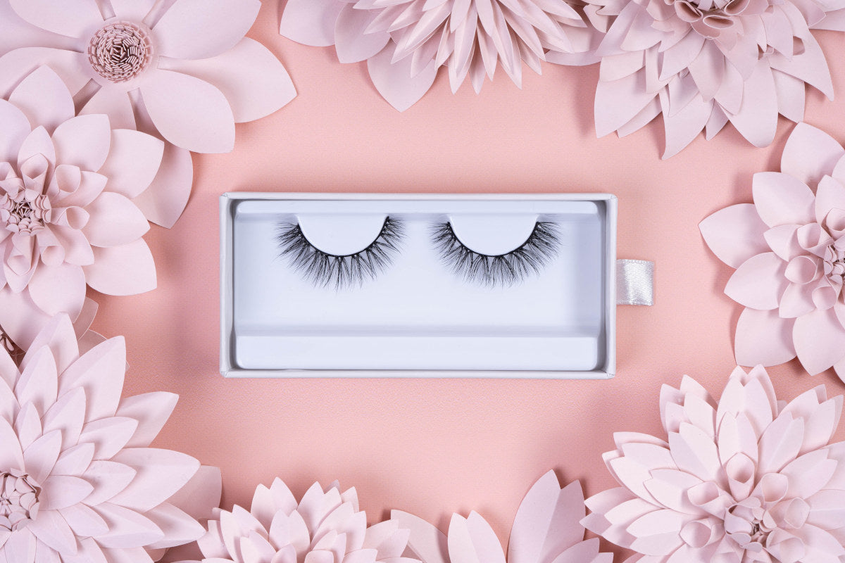 Like all Mademoiselle Lashes, our faux mink 3D lashes are exceptionally durable.